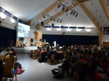 Blick in die Evangeliumshalle. Hier gibt es Platz genug für unsere 200 Delegierten.